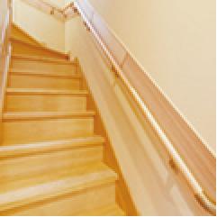 赤松無垢階段・無垢階段手すり